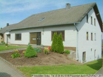 Mehrgenerationenhaus in Top-Höhenlage m. Fernblick 56729 Baar-Wanderath, Einfamilienhaus
