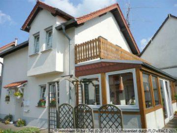 Neuwertiges Haus mit Wintergarten und Garten 53534 Barweiler, Einfamilienhaus