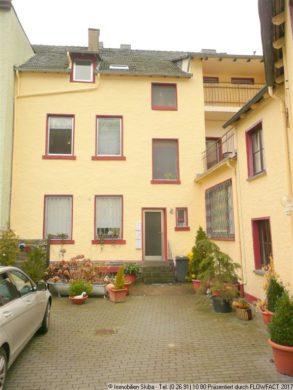 Provisionsfrei: 4 Zi.-Whg. in Altenahr m. Balkon 53505 Altenahr, Dachgeschosswohnung
