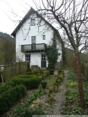 Miet-Einfamilienhaus mit Grundst.- Leimbach/Adenau 53518 Leimbach, Einfamilienhaus