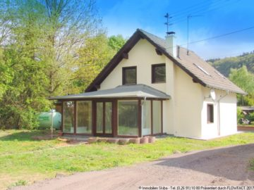 Blicken Sie vom Wintergarten auf Ihren Garten mit Bachlauf 56729 Virneburg, Einfamilienhaus
