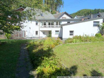 Modernisiertes Wohnhaus mit sonnigem Südgrundstück in Adenau 53518 Adenau, Einfamilienhaus