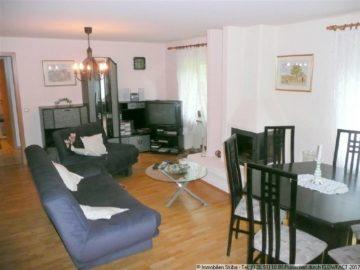 Ebenerdige Wohnung mit EBK und offenem Kamin 53533 Müsch, Wohnung