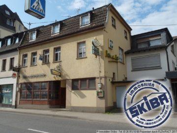 Gaststätte mit Fremdenzimmern und Betreiberwohnung in Adenau am Nürburgring 53518 Adenau, Mehrfamilienhaus