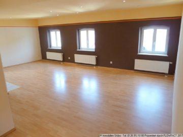 Helle Wohnung mit Aufzug und Aussicht über die Dächer von Adenau 53518 Adenau, Wohnung