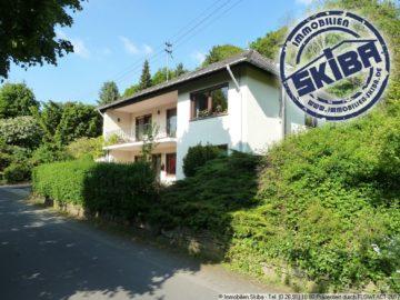 Umgrüntes Einfamilienhaus mit schönem Garten in Ortsrandlage in der Eifel 53533 Antweiler, Einfamilienhaus