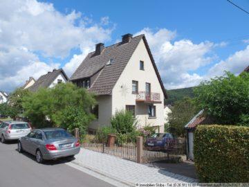 Haus mit Garten und 2 Garagen in ruhiger Wohnlage von Adenau in der Eifel 53518 Adenau, Einfamilienhaus
