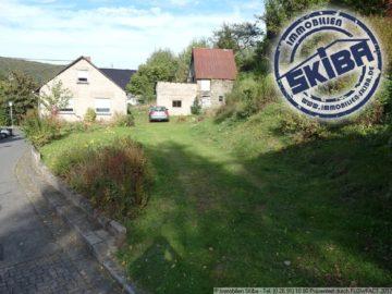 Eifelhäuschen mit Bruchsteinmauern und Scheune auf schönem Gartengrundstück 56729 Langenfeld, Einfamilienhaus