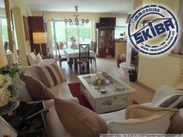 Hochwertige Wohnung mit großer Terrasse und Rasenstück in Refrath 51427 Bergisch Gladbach-Refrath, Wohnung