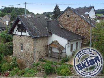 Charmantes Bruchsteinhaus mit Scheune am Fuße der Hohen Acht in der Eifel 53520 Kaltenborn-Jammelshofen, Einfamilienhaus