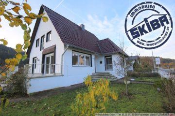 Schönes Einfamilienhaus mit vielen Zimmern und Garten 53520 Insul, Einfamilienhaus