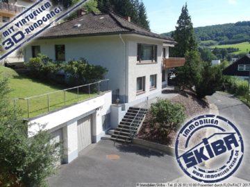 Am Waldrand gelegenes Wohnhaus mit 4 Garagen in Adenau/Eifel 53518 Adenau, Einfamilienhaus