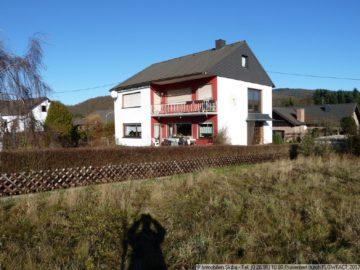 Ein- bis Zweifamilienhaus auf großem sonnigen Süd-Westgrundstück 56729 Baar-Oberbaar, Einfamilienhaus