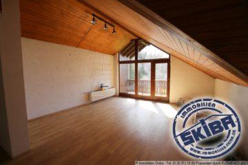 Großzügige Wohnung mit zwei Balkonen und Garage in Barweiler/Eifel 53534 Barweiler, Wohnung