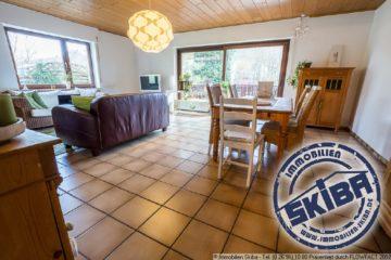 Wie ein ganzes Haus: 5-Zimmer-Wohnung über 2 Etagen mit Garten in Adenau 53518 Adenau, Wohnung