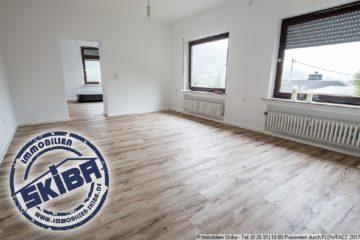 Sanierte 3-Zi.-Wohnung mit eigenem, kleinem Gartenstück und Ausblick über die Eifelstadt Adenau 53518 Adenau, Wohnung