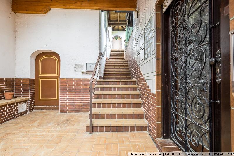 Treppenaufgang Aussen Immobilien Skiba