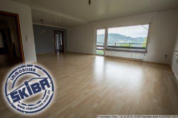 Großzügige Wohnung mit Balkon und Terrasse mit Blick über die Eifelstadt Adenau 53518 Adenau, Wohnung