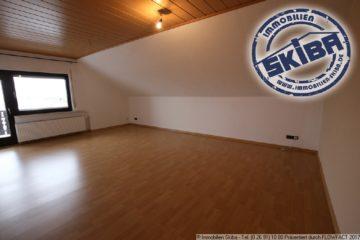Helle 4 Zimmer Dachgeschosswohnung mit Balkon in Reifferscheid 53520 Reifferscheid, Wohnung