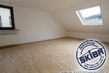 Helle 3-Zimmer-Wohnung mit neuer Einbauküche in der Eifelstadt Adenau 53518 Adenau, Wohnung